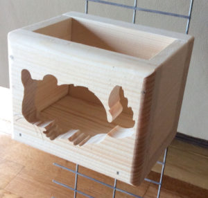 Chinchilla Cut Out Wood Hay Feeder Box